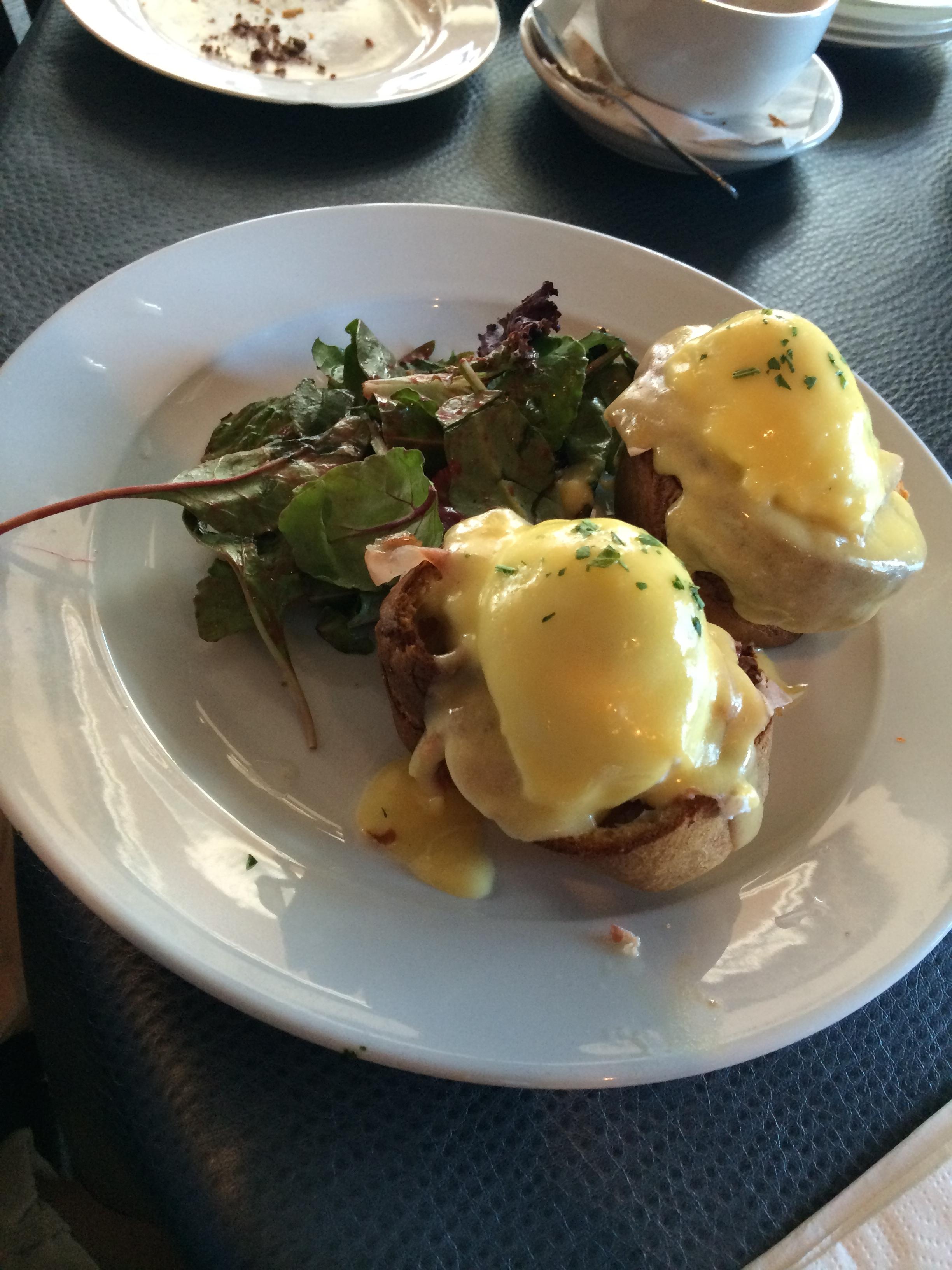 Destin restaurant, Mama Clemenza's, Eggs Benedict