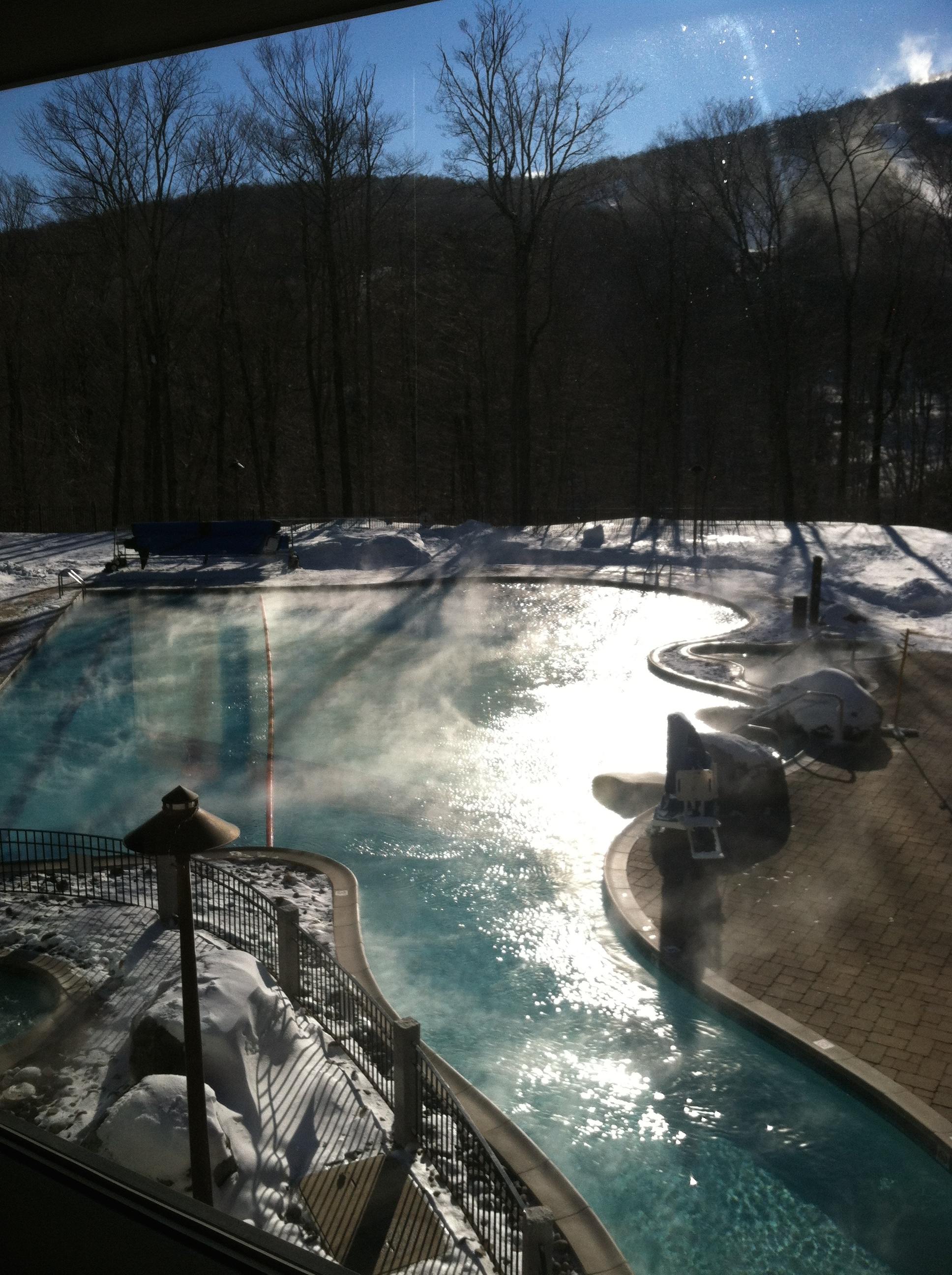 The outdoor pool at Stowe Mountain Lodge